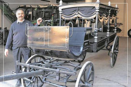 Historischer Bestattungswagen: Bestatter Karl Brändle. Bestattungen in Kusterdingen, Pliezhausen, Walddorfhäslach, Altenriet